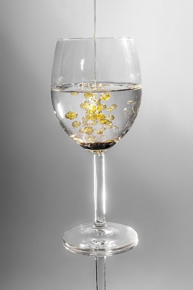 glass-101666_1280
